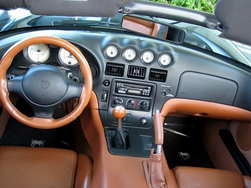 2000 Viper interior